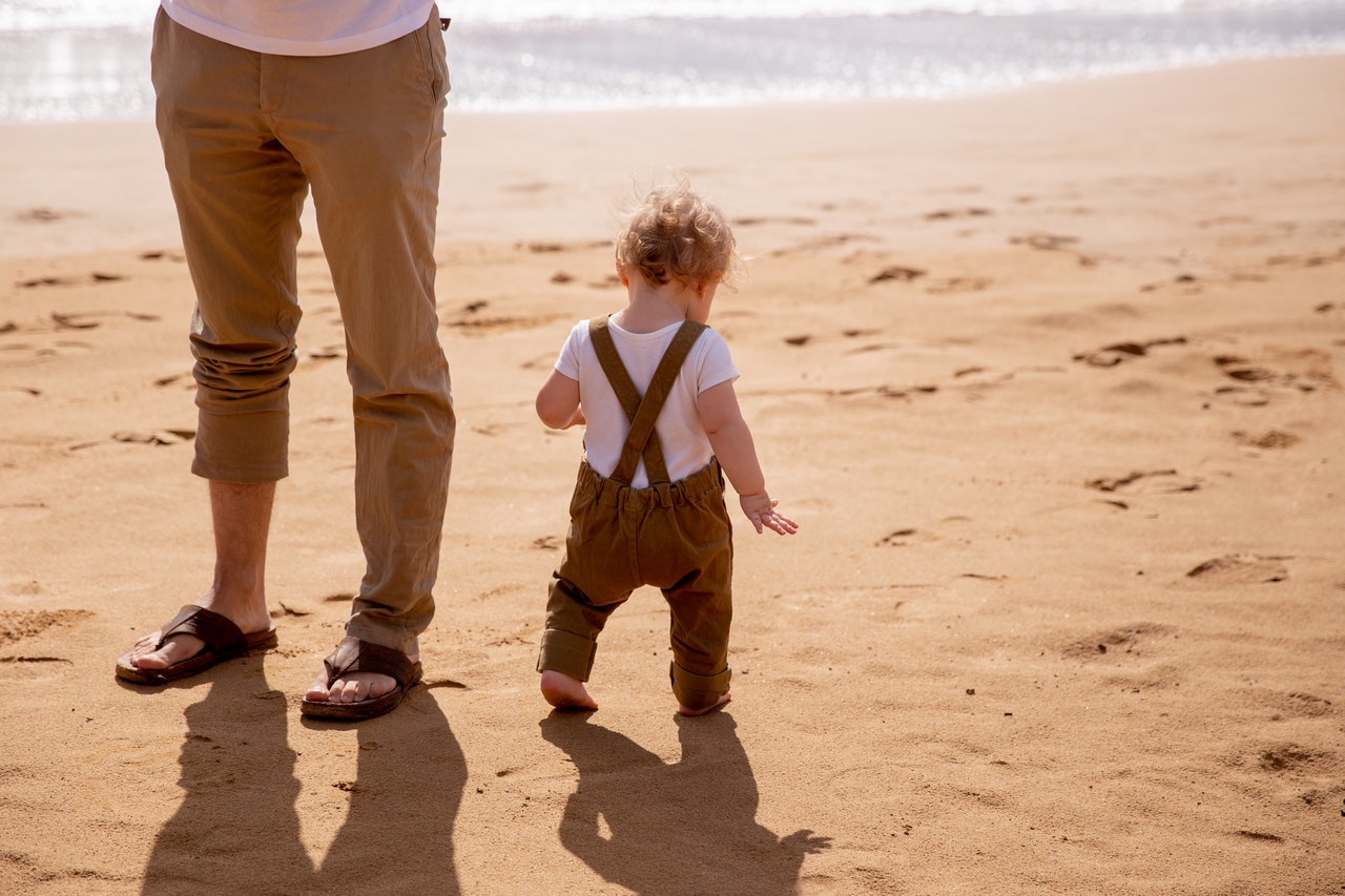 Les étapes pour voyager plus confortablement avec votre bébé