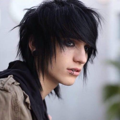Coiffures Emo pour les hommes aux cheveux fins