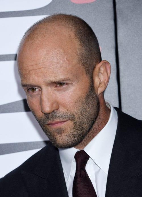 Jason-Statham buzz cut courte